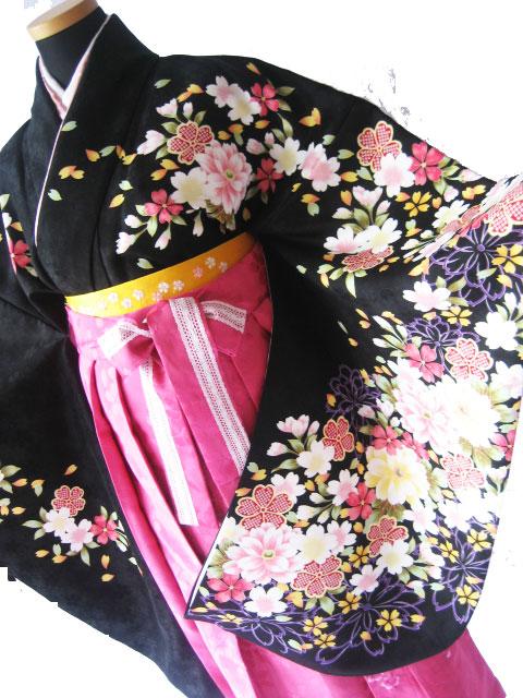 3-3.黒彩桜+マゼンダレース刺繍袴