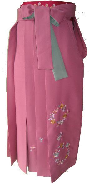 6-2.白秋桜+ピンク花輪刺繍袴